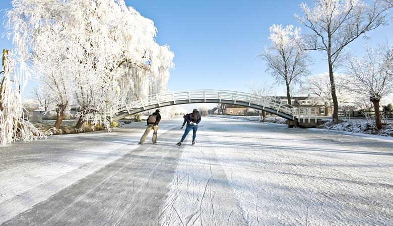 Giethoorn skating